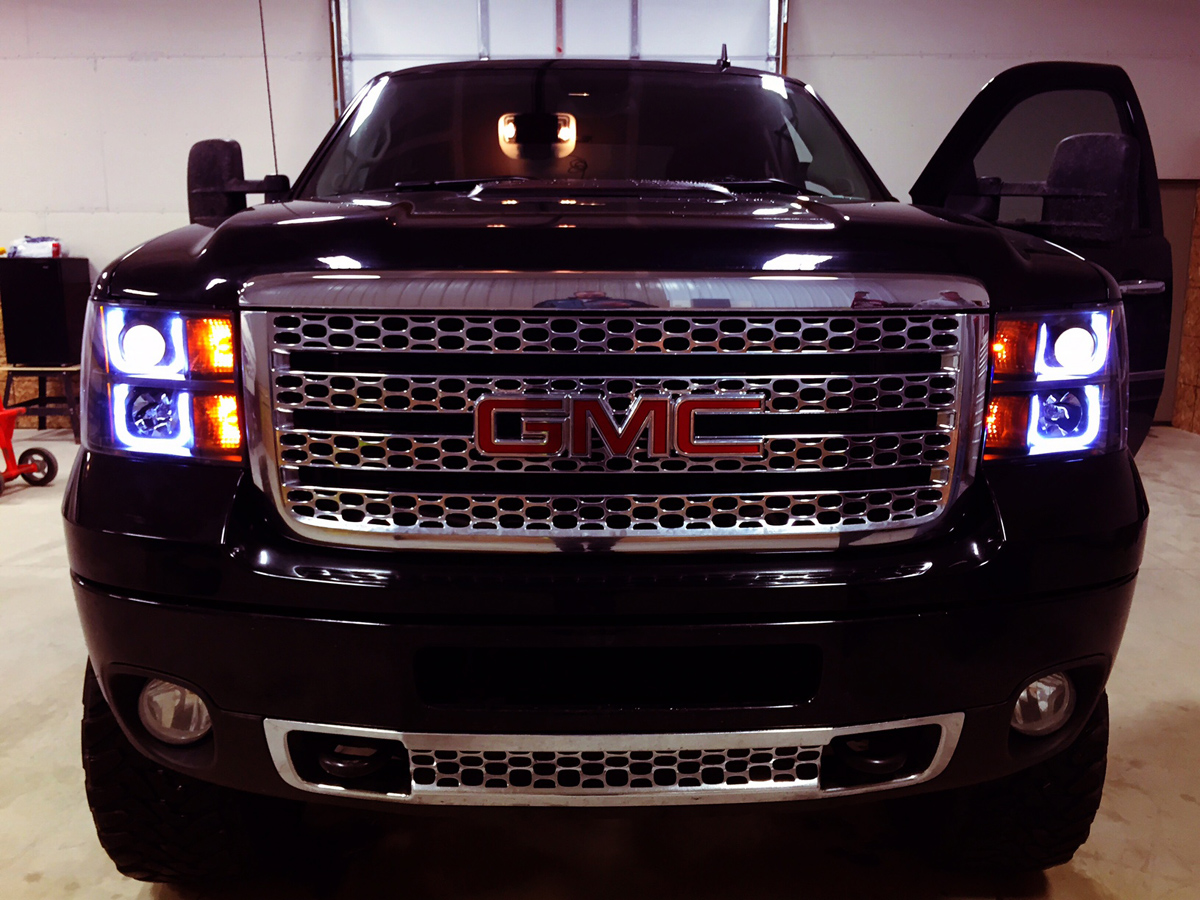 Quick hit shedding some light on anzo usa u bar lights are popular choices for the truck crowd here theyre installed on a 2015 gmc duramax pickup aloadofball Gallery