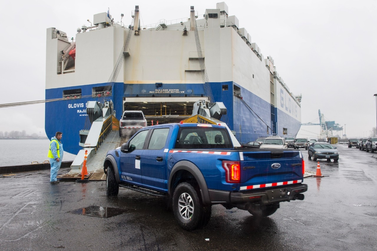2017 Ford F-150 Raptor Arrives For Eager Customers In China