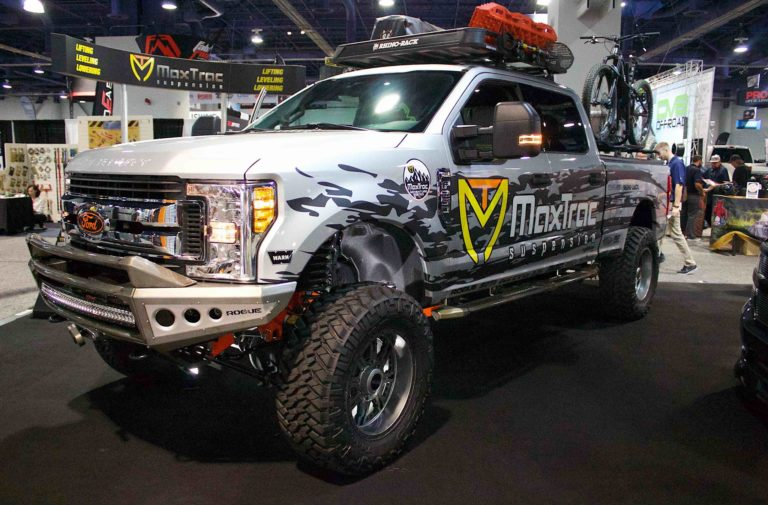 SEMA 2017: Going Higher With Maxtrac's 2017 Ford Super Duty Lift Kit